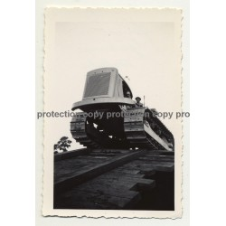 Gabenge - Bolobo / Congo: Tracked Construction Vehicle *3 / Ramp (Vintage Photo B/W 1946)