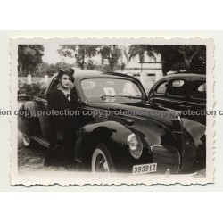 Léopoldville / Congo: Pretty Girl Poses Beside Lincoln Zephyr Coupe (Vintage Photo B/W 1939)
