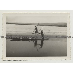 Africa: Congolese Guy In Dugout Race Against Guy At Shore  (Vintage Photo B/W ~1930s/1940s)