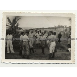 Congo / Africa: Gathering Of Colonial Masters In Steppe / Natives (Vintage Photo B/W ~1930s/1940s)
