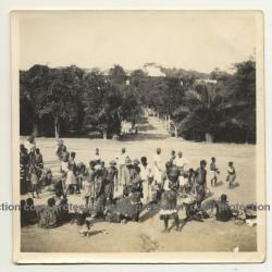 Congo / Africa: The Market Of Kiniati / Natives (Vintage Photo B/W 1927)