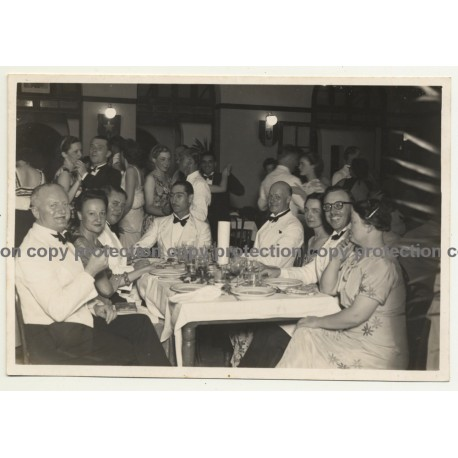 Léopoldville / Congo: Upper Colonial Society Celebrates (Vintage Photo B/W ~1930s/1940s)