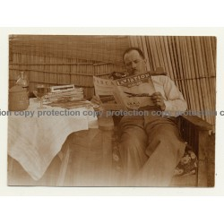 Congo Belge: Man Reads Aviator Magazin 'L'Aviation' / Pipe (Vintage Photo Sepia ~1930s)