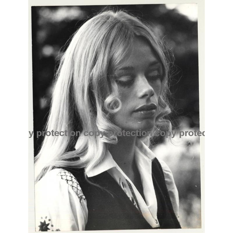 Portrait Of Pretty Blonde Hippie Woman (Vintage Photo Master 1970s Fashion)