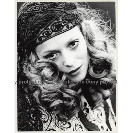 Close-Up Of Blonde Hippie Beauty / Eyes (Vintage Photo Master 1970s Fashion)