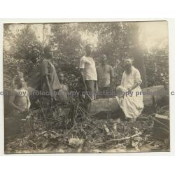 Congo Belge: Missionary & Indigenous Lumberjacks (Vintage Photo B/W  ~1920s/1930s)
