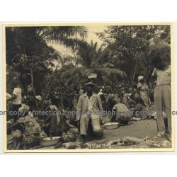 Congo / Africa: Market Bustle / Local People (Vintage Photo B/W ~ 1950s)